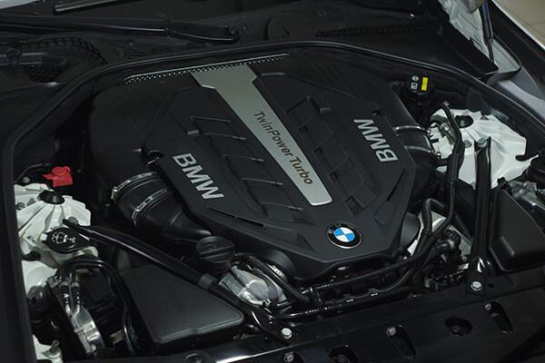 Стоит ли мыть двигатель автомобиля?