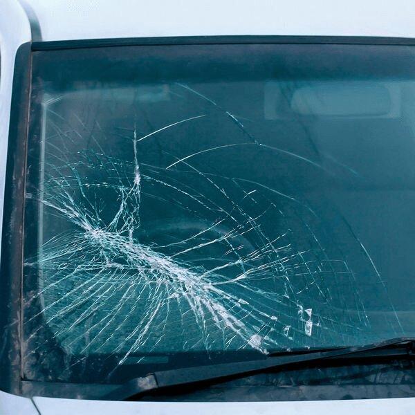 Ремонт ветрового стекла автомобиля